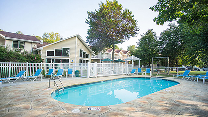 Somerset Inn & Suites (1)