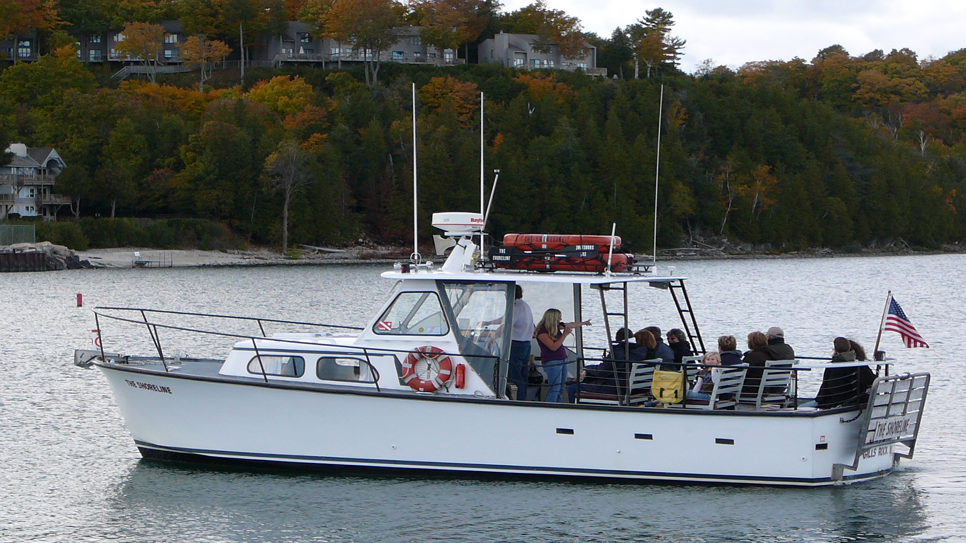 Shoreline Scenic Cruises-Gills Rock