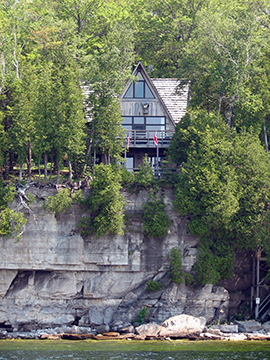 A Amazing Cliffside Home Rental