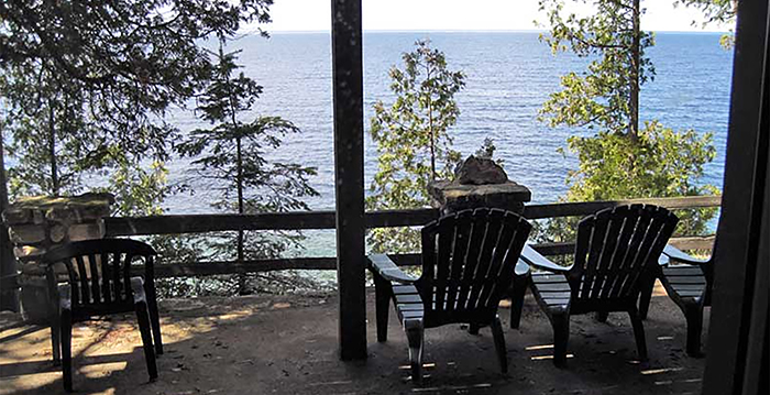 A Amazing Cliffside Home Rental (1)