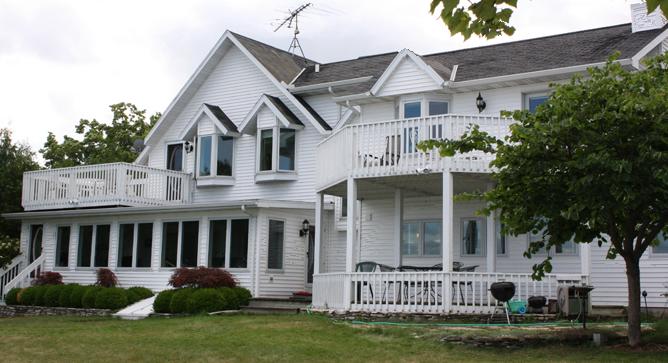 Cedar Beach Inn/House